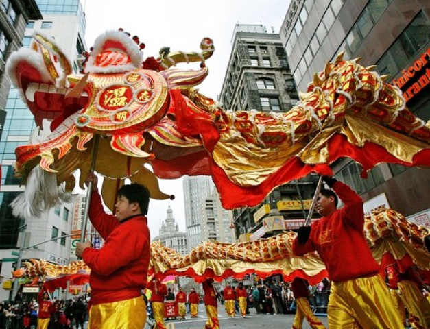 chinese culture in singapore Business is normally conducted in english in singapore, particularly british english as many asian countries do, singapore has a formal business culture with quite a few rules concerning etiquette the etiquette itself can vary between the different chin.
